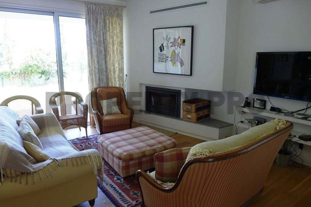 For Sale, 4-Bedroom Detached House in Strovolos