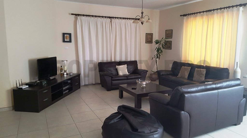 For Sale 4-Bedroom Semi-Detached House in Engomi