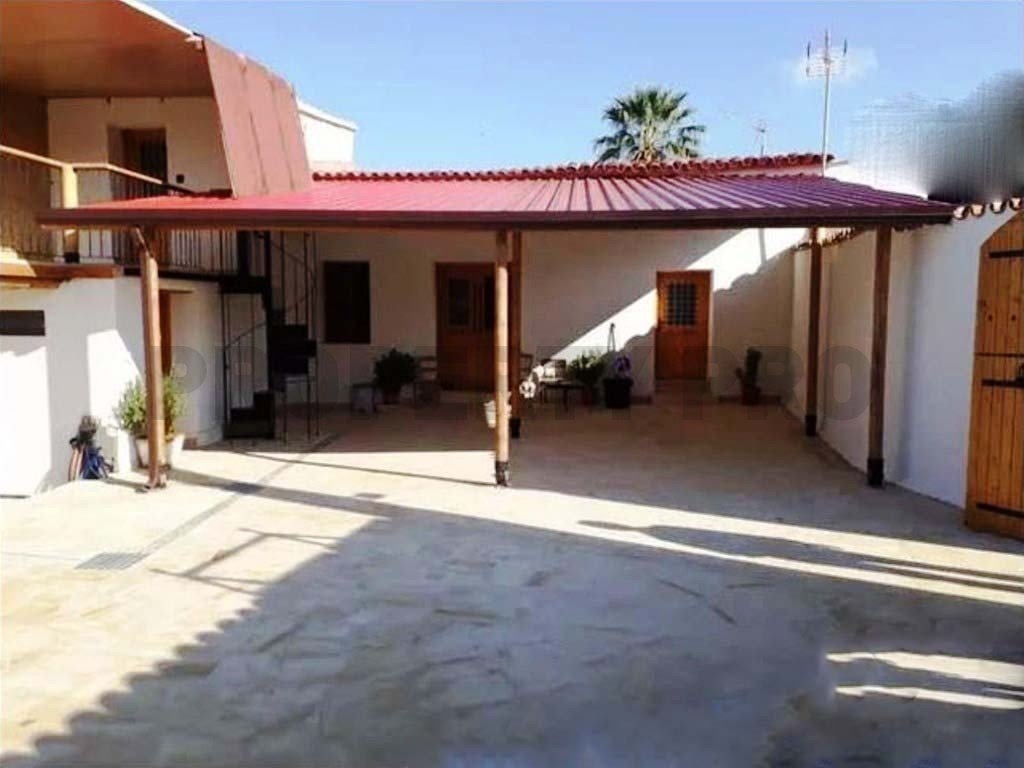 For Sale, 3-Bedroom Detached House in Pera Oreinis