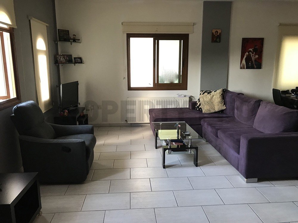 For Sale, Three-Bedroom Detached House in Tseri