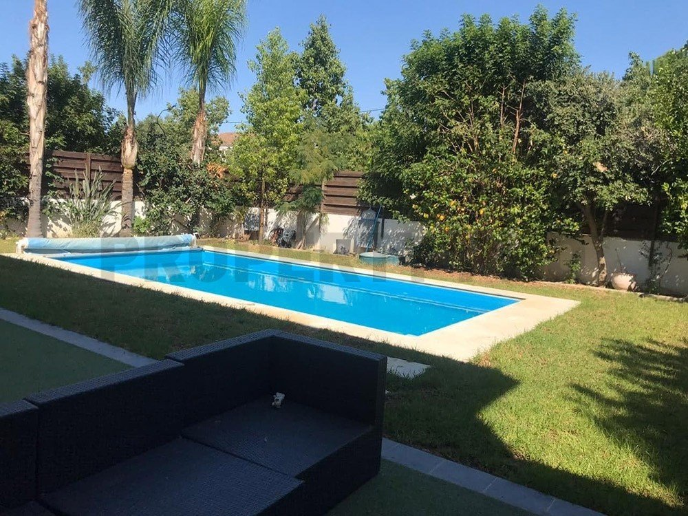 For Sale, Three-Bedroom plus Maid's Room Detached House in Nea Ledra
