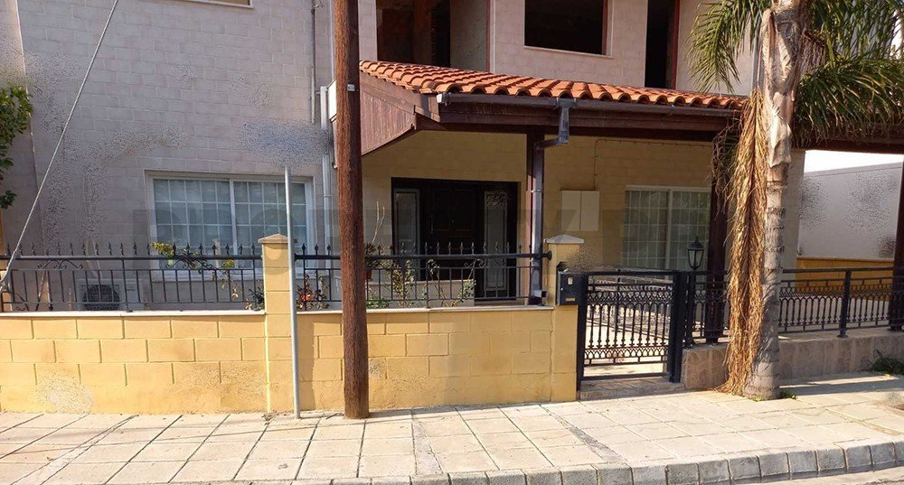 For Sale, Three-Bedroom Ground Floor Detached House in Lakatamia